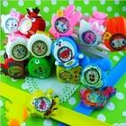 Детские наручные часы с аналоговым стрелочным циферблатом на флип-ремешке.
