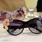 Солнцезащитные очки Dolce&Gabbana Flowers.