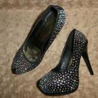 Черные туфли в стразах Christian Louboutin. Одеваемся стильно