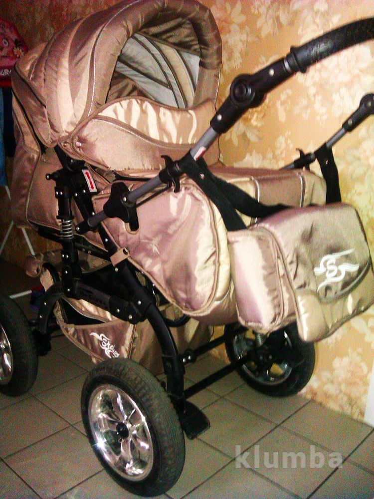 Удобная коляска трансформер