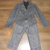 Стильный джинсовый костюм серого цвета!Оригинальный покрой!размер S