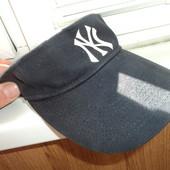 Фірмовий козирьок кепка .Yankees.
