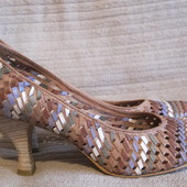 Изысканные плетеные кожаные туфельки Bronx. Голландия. 41 р.