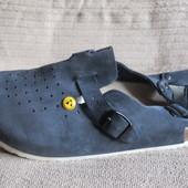 Легкие перфорированные кожаные сандалии с закрытым мысом.  Vitaform Германия. 45 р.