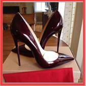 Лаковые туфли лодочки  на высоком каблуке .Christian Louboutin (Кристиан Лабутен)