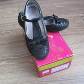 Туфли на девочку б/у р31 стелька 20см.