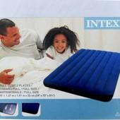 Полуторный надувной матрас Intex 68758,  137см
