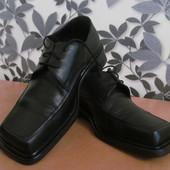Кожаные мужские туфли 40 размер - как новые (обуты один раз).