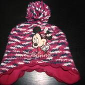 Продам  шапку  3-6 лет состояние отличное Сверху вязка,подкладка флис.Можно холодной осенью,достаточ