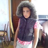 Утепленая жилетка на девочку