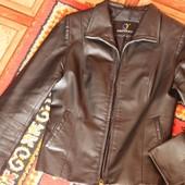 Продам кожаный пиджак женский, размер S