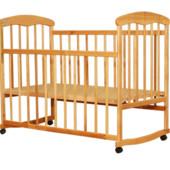 Детская кроватка Наталка на колесах из ольхи и ясеня