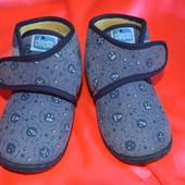 Детская обувь, тапочки , ботиночки Chicco Чико р 24 для мальчика