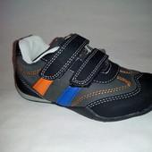 Демисезонные кроссовки отличного качества 22-25 размер