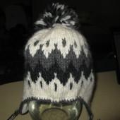 Зимняя шерстяная(100%) шапка на толстом флисе в идеале на ОГ 57-59 см.(Финляндия)
