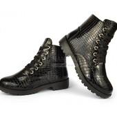 Ботинки лаковые черные на тракторной подошве «Martens» Турция размеры 36-39