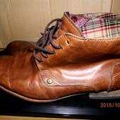 кожаные стильные деми ботинки 43 р