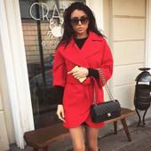 Пальто кашемировое,цвет красный,закругленный подол