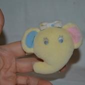 Погремушка подвеска браслетик на ручку ножку слоник