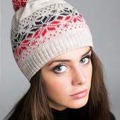 Стильная молодежная зимняя шапка с узором 2