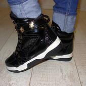 Ботинки женские черные лаковые Д421 р.36,37,38,39