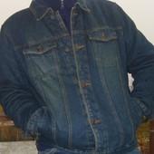 Фірмова джинсова утеплена курточка .Camargue.