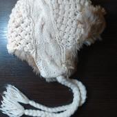 Продам теплую шапку Colins в состоянии новой