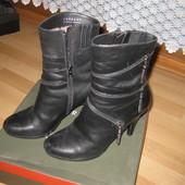 Зимние ботинки на каблуке Carnaby кожа +натур.мех