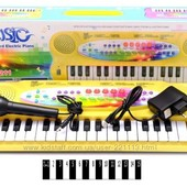 Детское Пианино - синтезатор + микрофон. Работает от сети