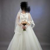Продам весільну сукню