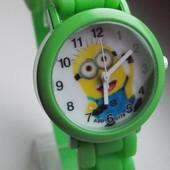Часы Миньоны