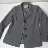 Новое молодёжное пальто серое. Германия. разм 38.