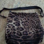 Брендовая сумочка Parfois-тигровый принт (Португалия)