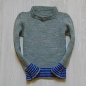 Теплый свитерок для мальчика, размер 2-4 года, состояние отличное.