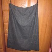Теплая шерстяная юбка на подкладе серого цвета. wallis