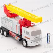 Инерционная пожарная машина с выдвижной лестницей, длина лестницы в выдвинутом состоянии - 45см.
