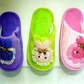 Детские велюровые комнатные тапочки для девочки T-09