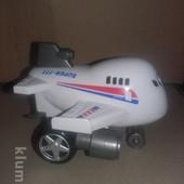 Распродажа - самолет инерционный