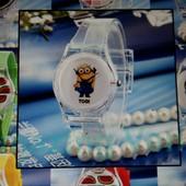 Миньоны, детские кварцевые часы «Миньон», новые