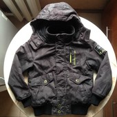 Стильная и теплая куртка на мальчика фирмы Here & There размер 128 см