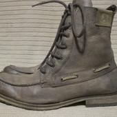 Брутальные кожаные ботинки, декорированные кожаным шнурком. Soviet . 45 р.