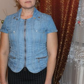 Джинсовая рубашка на замочке на короткий рукав
