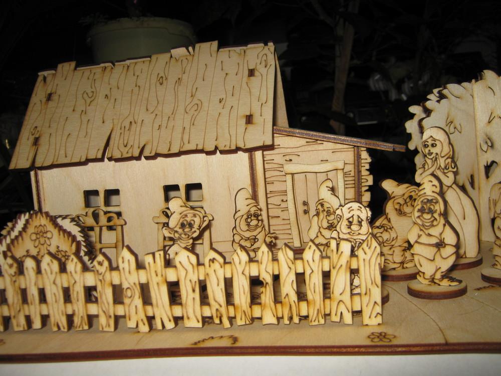 Деревянный 3dконструктор-раскраска белоснежка и 7 гномов  + краски в подарок! фото №1