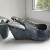 Раз.36,5-37.Классные,замшевые босоножки Spm Shoes & Boots