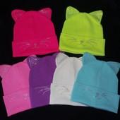 новые, одинарные шапочки очень красивые идет на 50 -54 одинарная, цвет на выбор.цвета в наличии укр