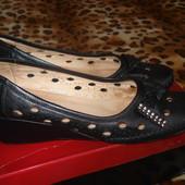 Туфли фирменные(Gotti) женские летние, полностю кожаные. 38-39 размер.