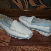 Комфортные туфли мокасины Отличное состояние Стелька=24 см.