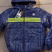 Куртка  деми Adidas. Рост 158-185.. темно синяя с салатовыми полосками