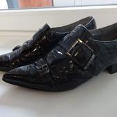 Лакові туфлі Guess 38p.