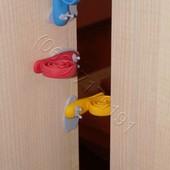 Блокираторы, фиксаторы, стопоры двери, защита детей от дверей